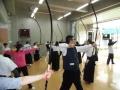 弓を持っての素引き練習